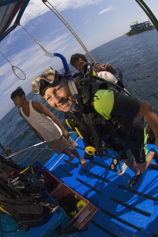 佩戴水肺的潜水在泰国 库存照片