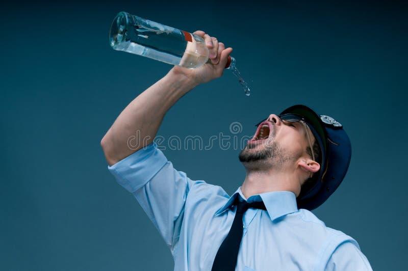 使上瘾对酒精警察 免版税库存图片