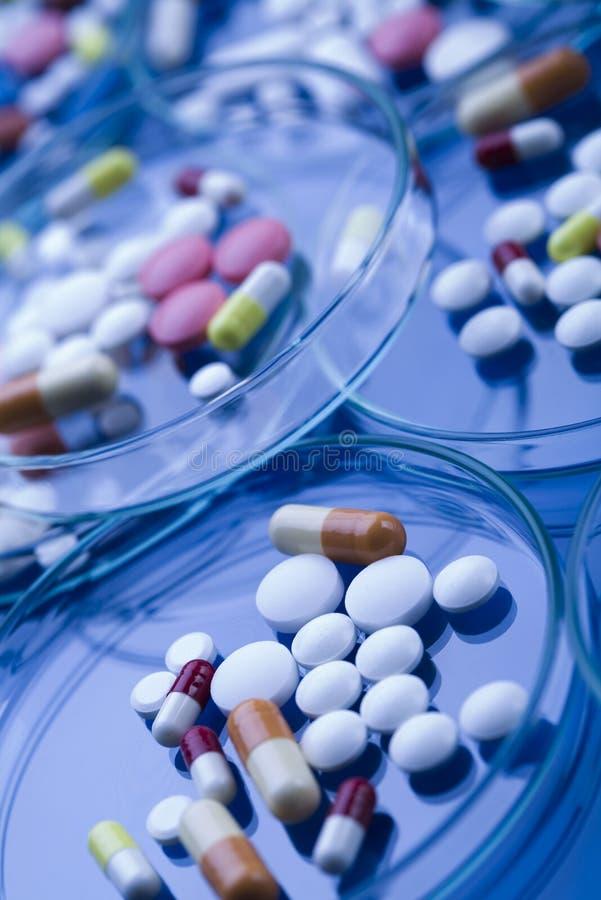 使医学药片片剂服麻醉剂 免版税库存图片
