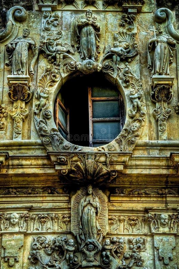 使命圣何塞开窗口和石制品 免版税库存照片