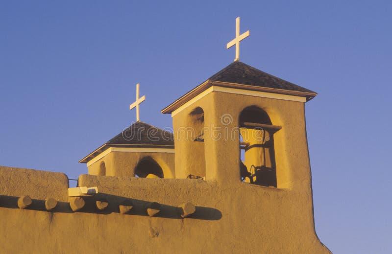使命或镇日落的在Taos新墨西哥 免版税库存图片