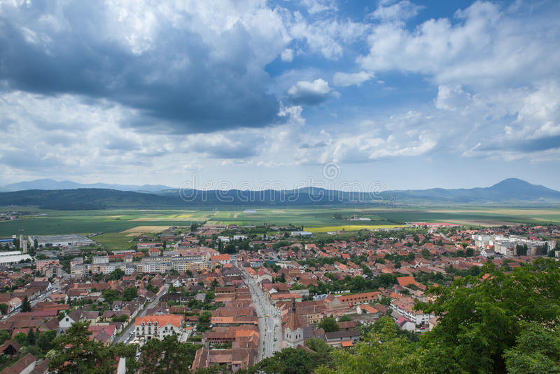 使在一个山城市的全景环境美化sping的 免版税库存图片