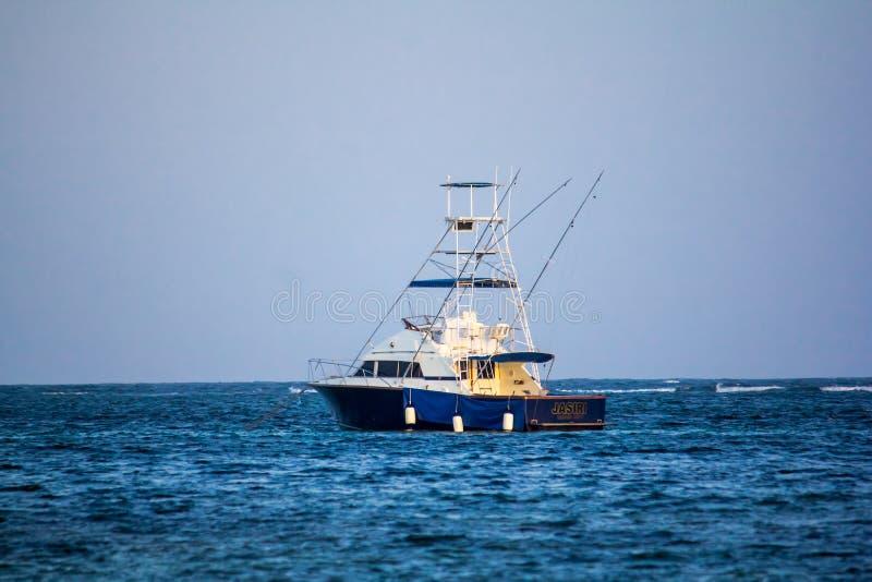 使小船加勒比墨西哥Quintana Roo海运tulum尤加坦靠岸 免版税图库摄影