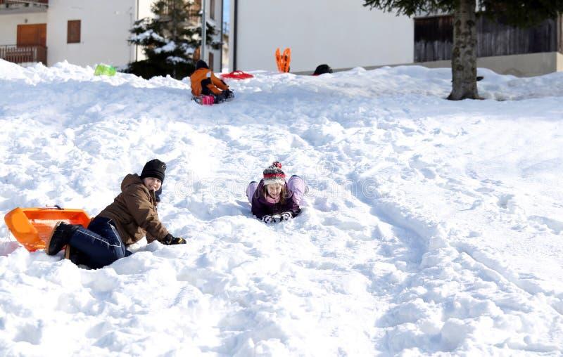 使用与在雪的突然移动在山在冬天 免版税图库摄影