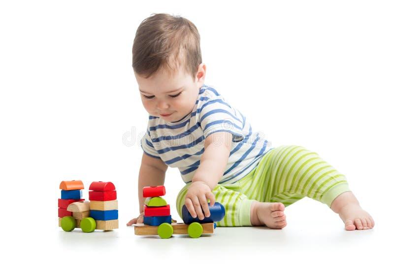 使用与块玩具的婴孩 免版税图库摄影