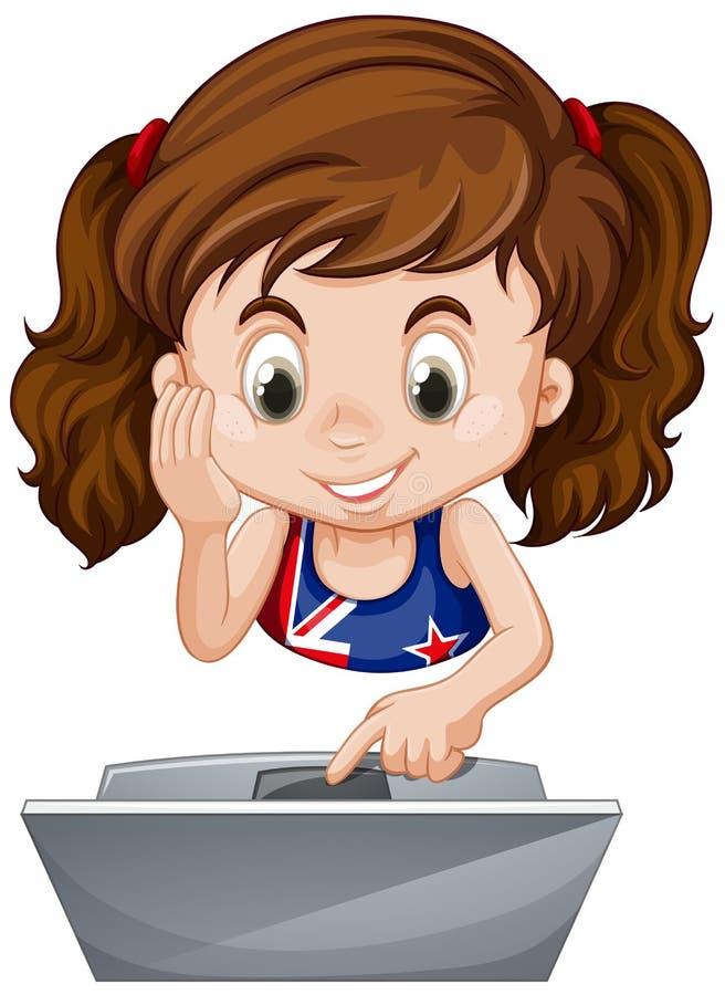使用便携式计算机的小女孩 皇族释放例证