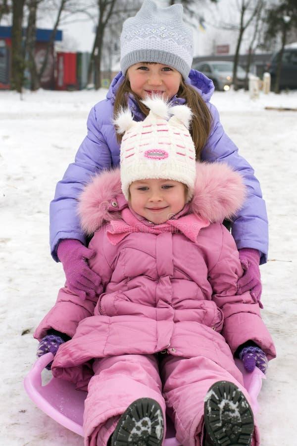 使用在冬天的孩子 免版税库存图片