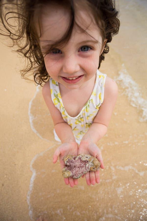 使用在海滩的孩子在奥阿胡岛夏威夷 免版税图库摄影