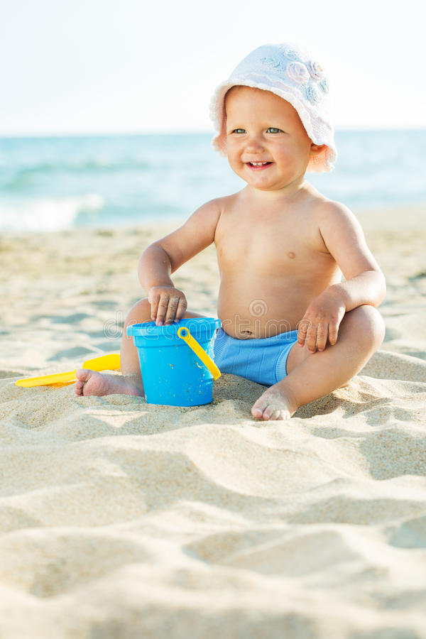 使用在海的婴孩 免版税库存图片