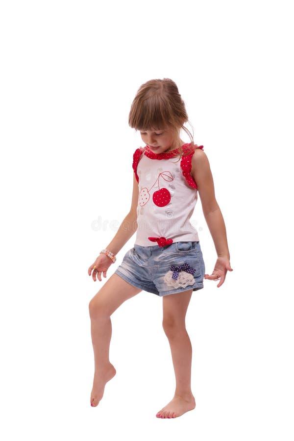 使用小女孩全长的画象,隔绝在白色背景 免版税库存图片