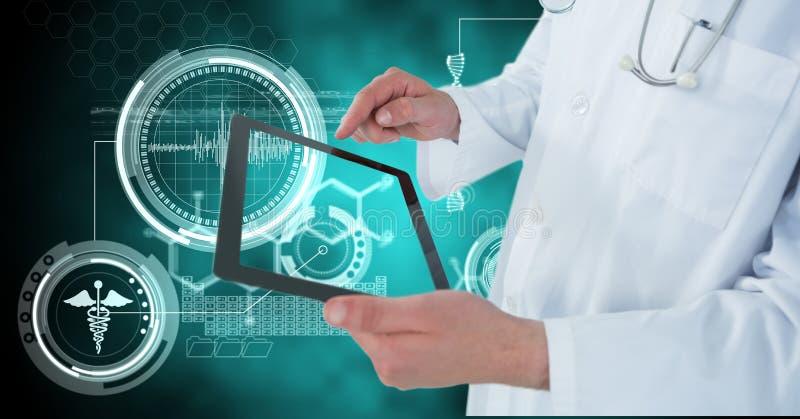 使用数字式片剂的医生的数字式综合图象由医疗象 免版税库存图片