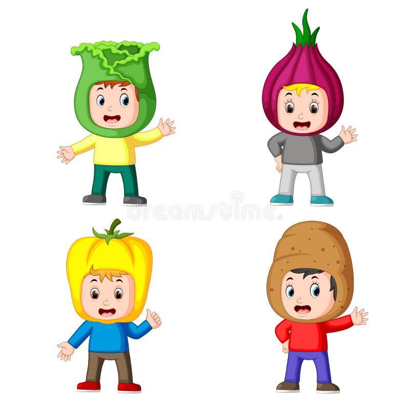 使用有另外变形的孩子的汇集新鲜蔬菜服装 皇族释放例证