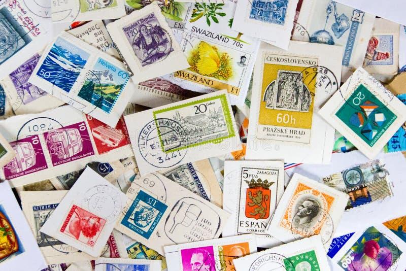 使用的葡萄酒集邮 集邮爱好的概念 免版税库存照片