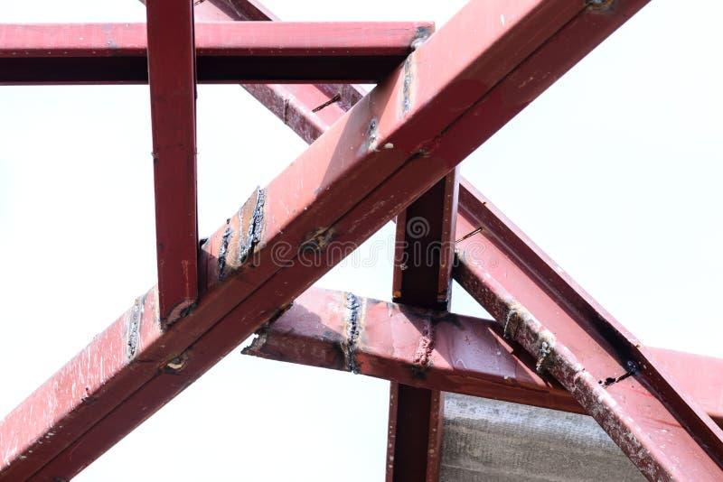 使用的钢制焊接为建筑结构 免版税库存图片