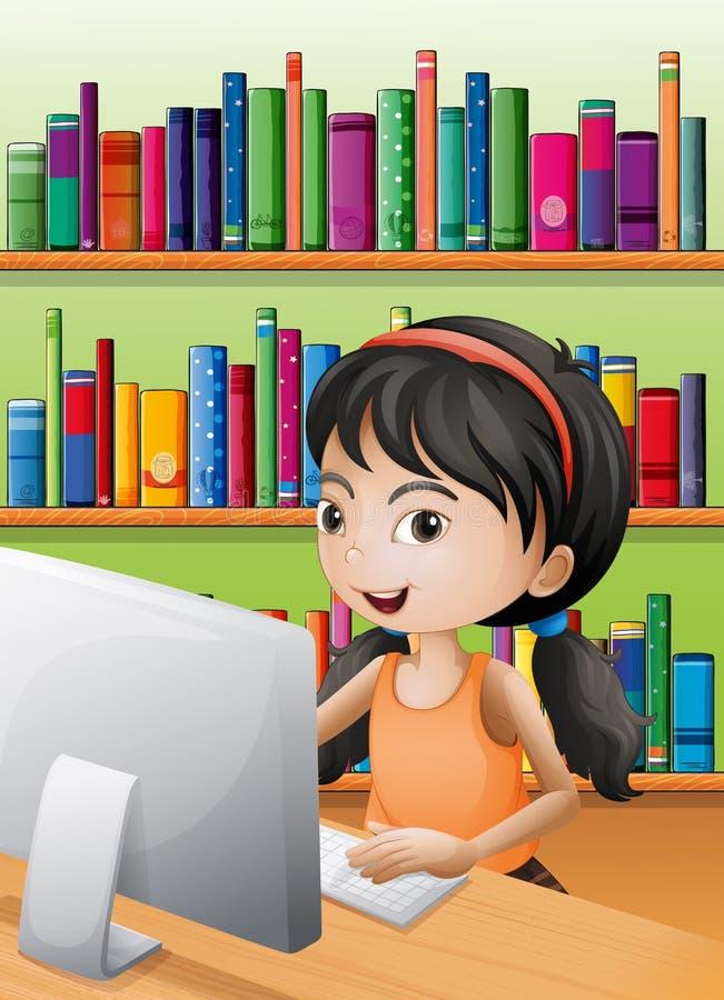 使用计算机的一个女孩在图书馆 皇族释放例证