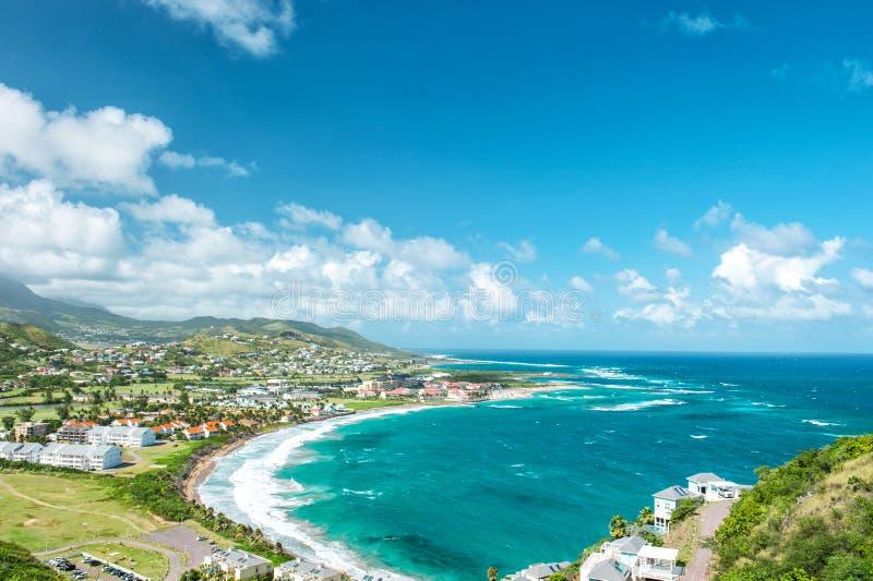 使绿松石海蓝天加勒比岛St基茨希尔环境美化 图库摄影