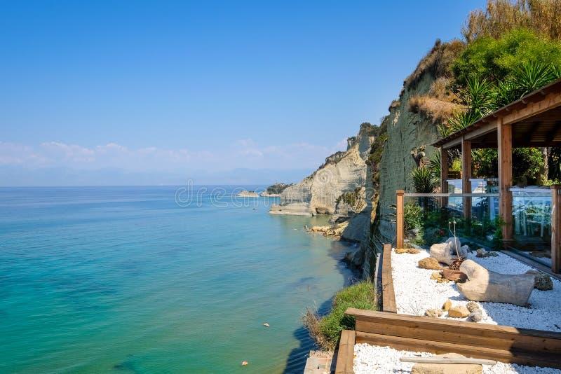 使Logas日落海滩环境美化, Peroulades,科孚岛看法  图库摄影