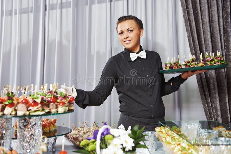 侍者服务承办酒席桌 库存图片