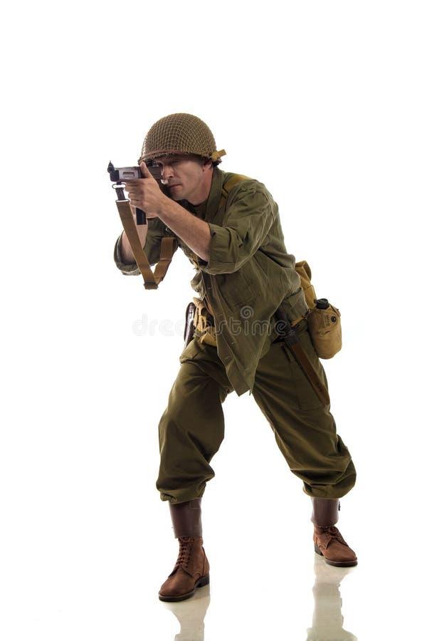 供以人员二战期间的美国别动队员军服的演员  免版税库存图片