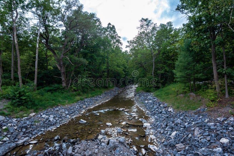供以人员纪念密执安罗伯特美国的h灯塔 Treman国家公园 免版税库存照片