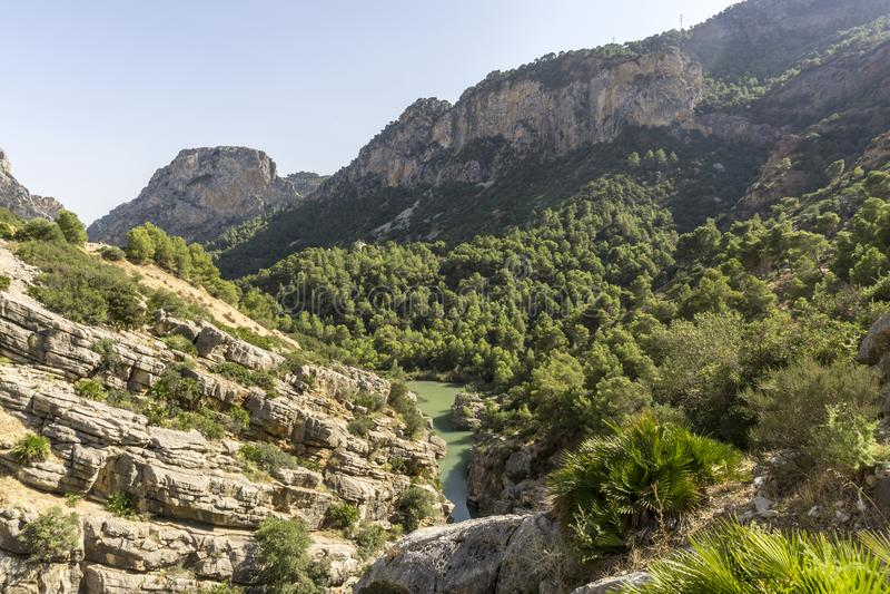 供徒步旅行的小道Caminito del Rey Gaitanes峡谷看法在El Ch的 库存照片