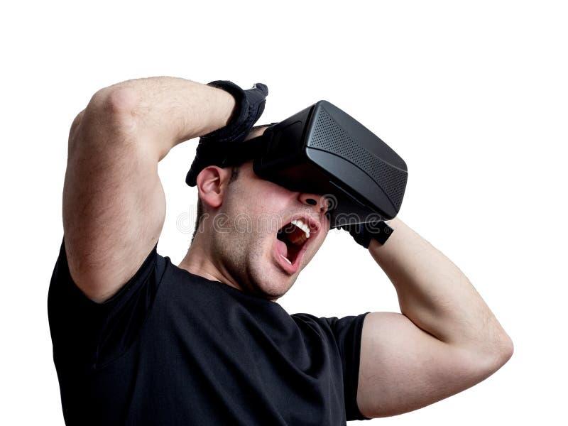 供以人员尖叫使用在白色ba隔绝的虚拟现实玻璃 免版税库存照片