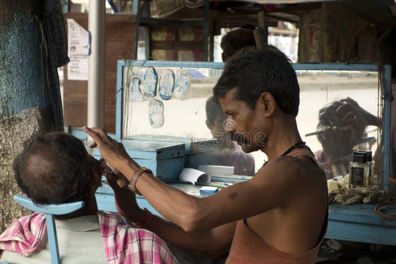 便宜的haircutting的交谊厅 库存图片