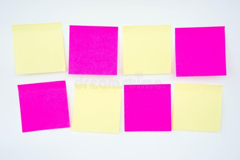 便条纸,简短的笔记,笔记注意 在提示A少校 图库摄影