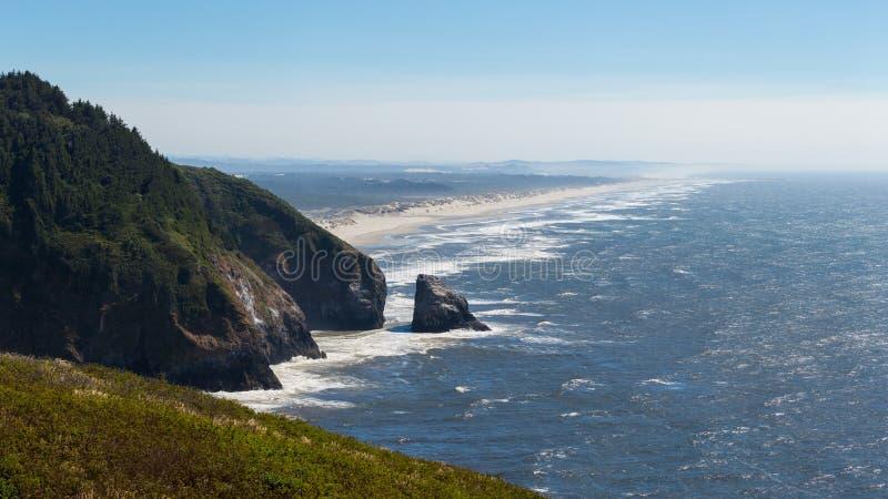 俄勒冈海岸线的看法 免版税库存图片