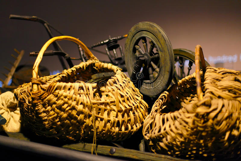 Download 俄国和乌克兰古老器物 库存照片. 图片 包括有 文化, 工艺品, 复兴, 女子, 过时, 俄语, bataan - 72369044
