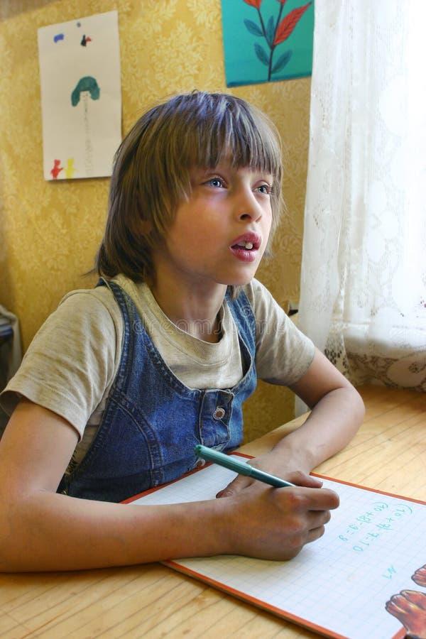 俄国在算术的学生基本的成绩在农村学校分类 免版税图库摄影