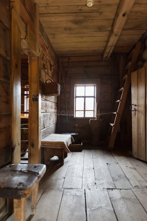 俄国小屋的内部 库存图片