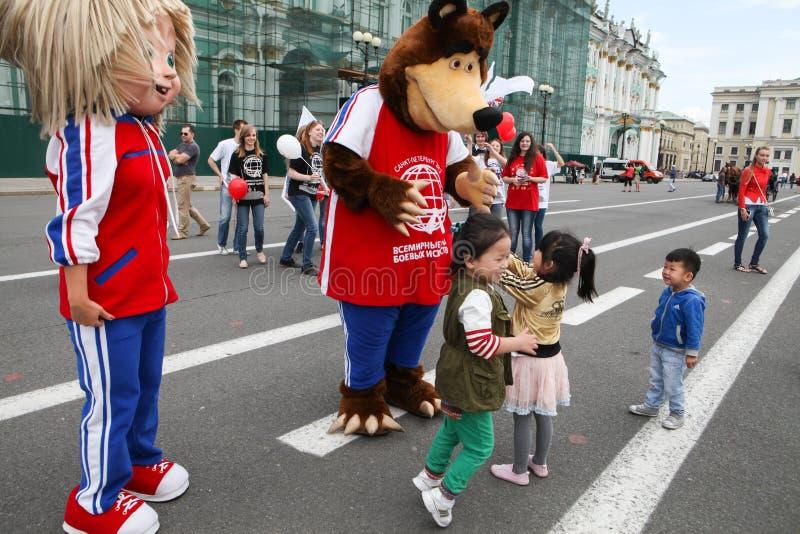 俄国生气蓬勃的系列Masha和熊的英雄 库存照片