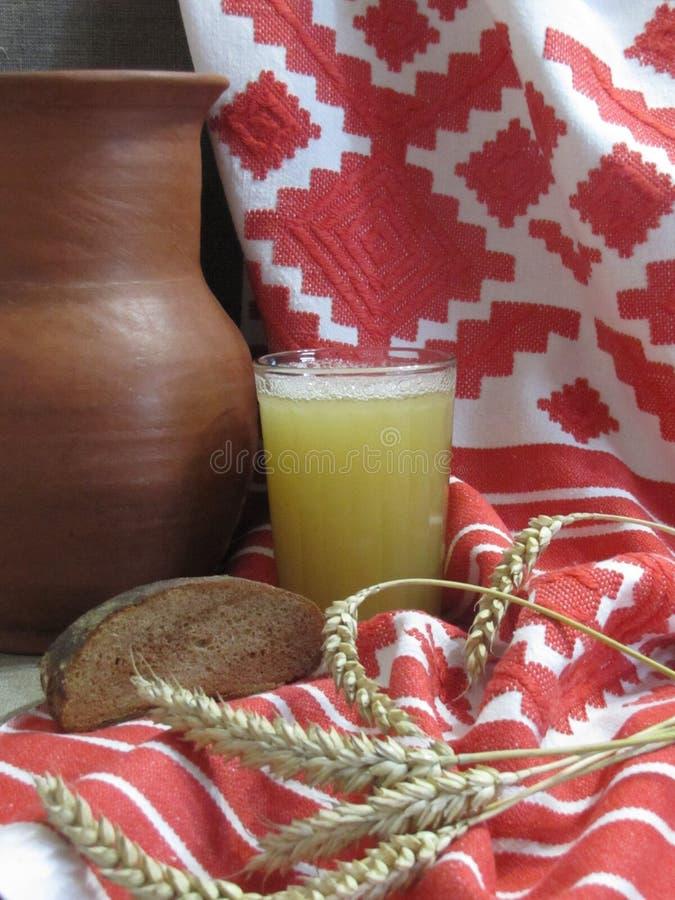 俄国面包俄国啤酒 免版税图库摄影