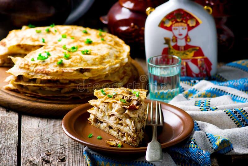 俄式薄煎饼饼用蘑菇 库存图片