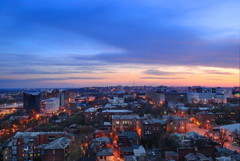 俄罗斯。顿河畔罗斯托夫。晚上都市风景 库存照片