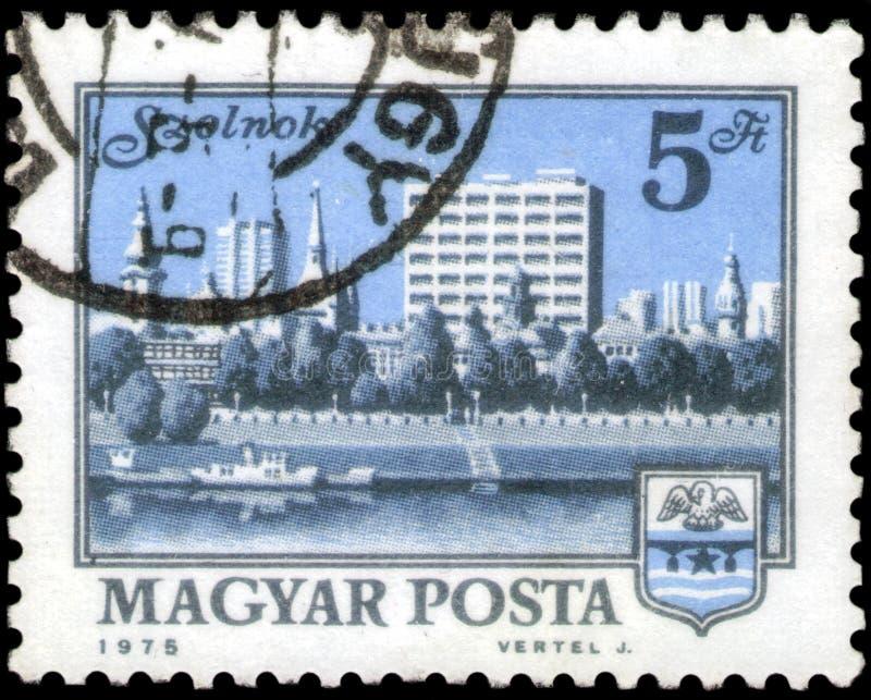 俄罗斯圣彼得堡 — 2020年4月30日:1975年左右,匈牙利印有索尔诺克的邮票 图库摄影