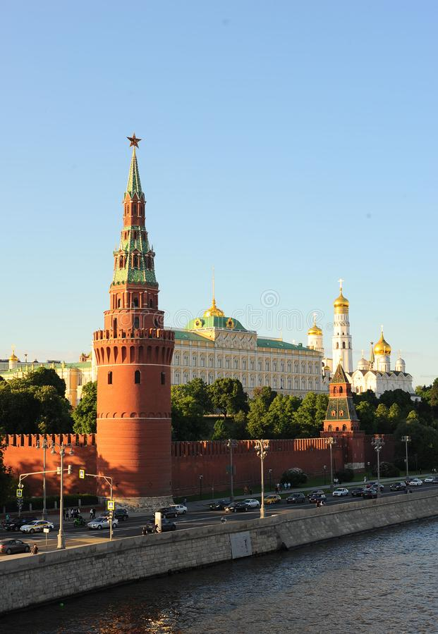 俄罗斯的历史中心是克里姆林宫的Vodovzvodnaya或Sviblova塔,盛大克里姆林宫宫殿, Annunc 免版税库存照片