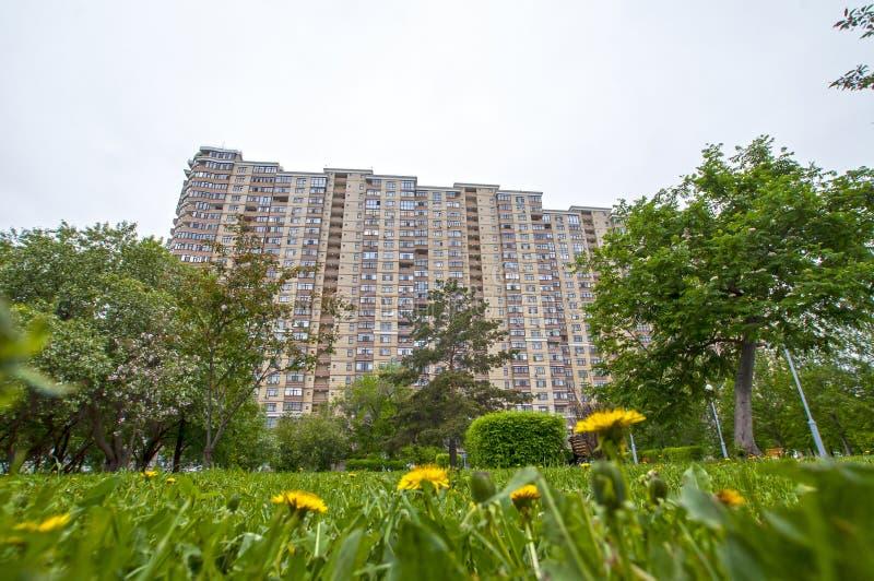 俄罗斯秋门,2020年5月15日:住宅复合体 免版税库存照片