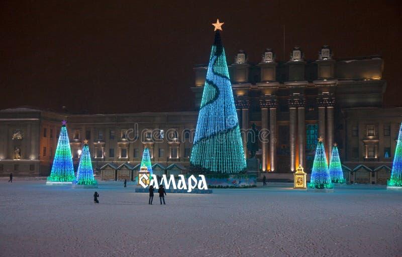 俄罗斯,翼果,2019年1月20日,在以Kuibyshev命名的正方形的圣诞树在翼果 免版税库存照片