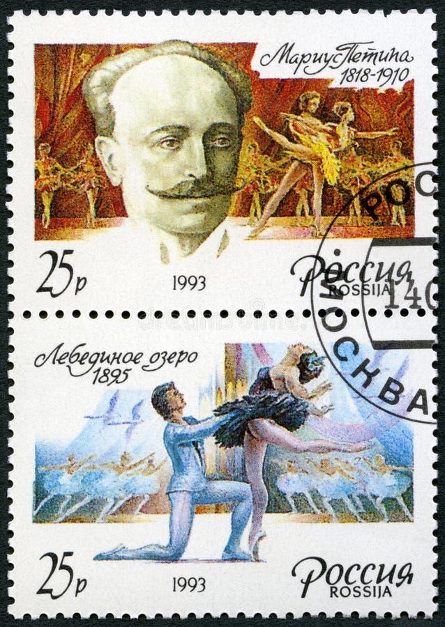 俄罗斯- 1993年:从芭蕾天鹅湖,俄国跳芭蕾舞者,教育家的展示马里于斯伊万诺维奇Petipa 1818-1910和情节 库存图片