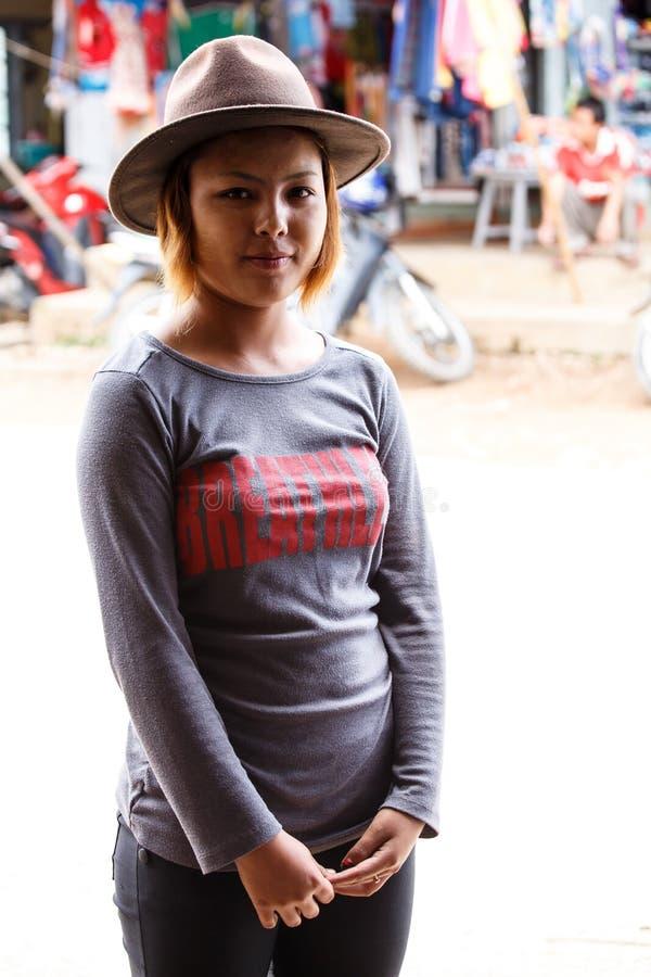 俏丽的夫人在Falam,缅甸(缅甸) 库存照片