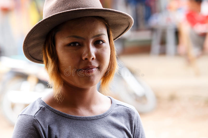 俏丽的夫人在Falam,缅甸(缅甸) 免版税图库摄影