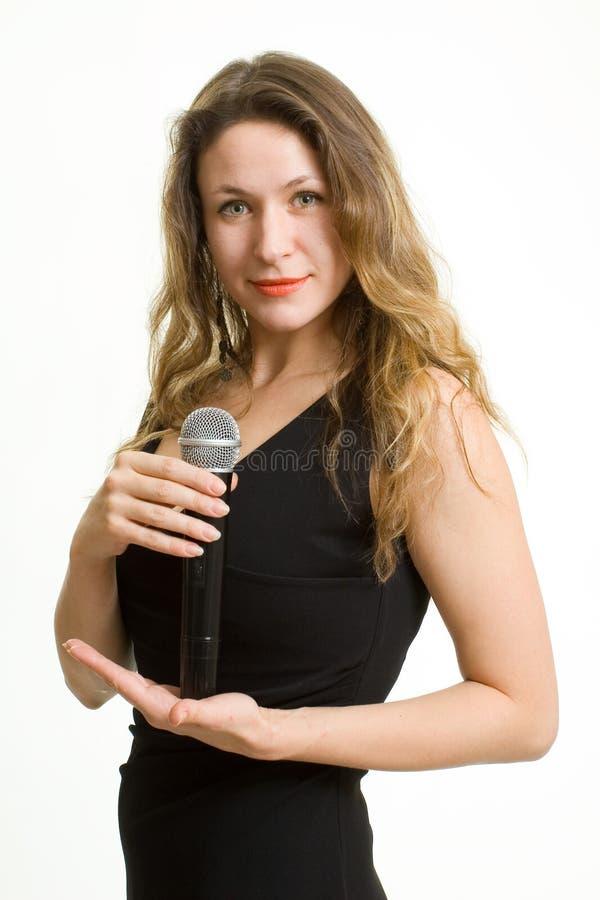 俏丽的歌唱家。 免版税库存照片