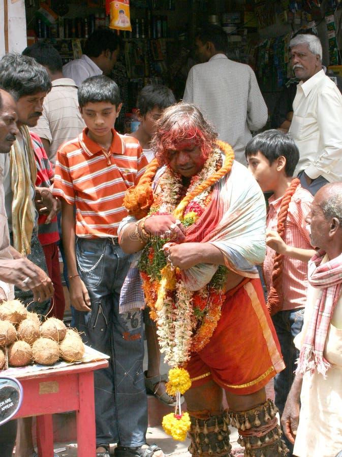 保佑人的印第安节日Bonalu Potharaju 免版税库存照片