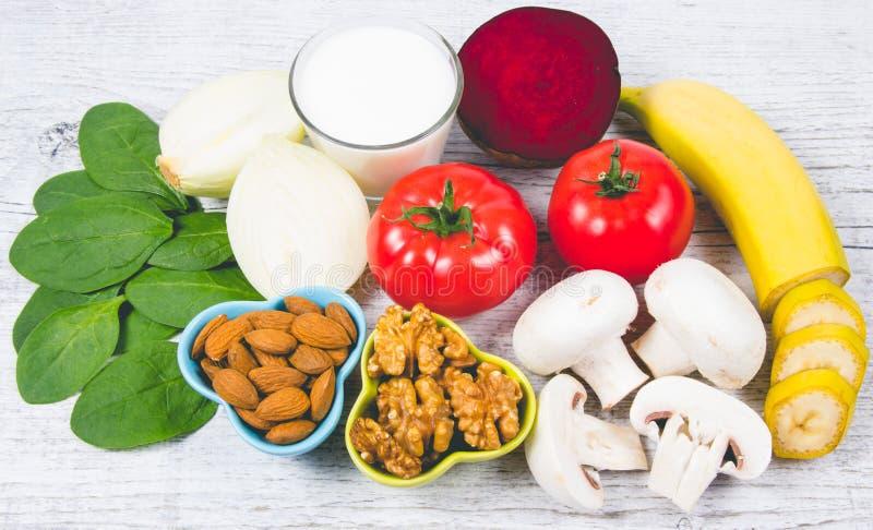 保健品和成份作为来源维生素B7生物素、饮食纤维和自然矿物,滋补吃的概念 图库摄影