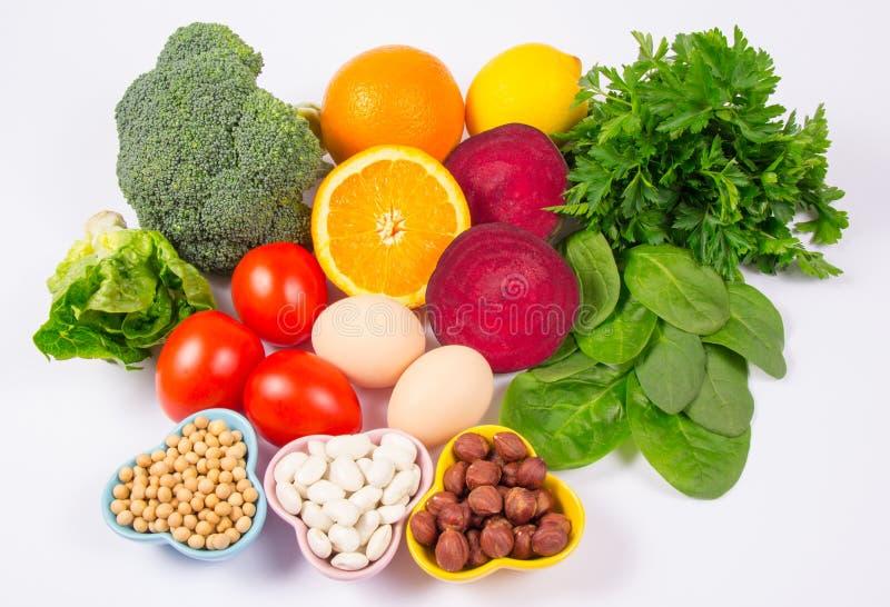保健品和成份作为来源维生素B9 acidum folicum,自然矿物,滋补吃的概念 免版税图库摄影