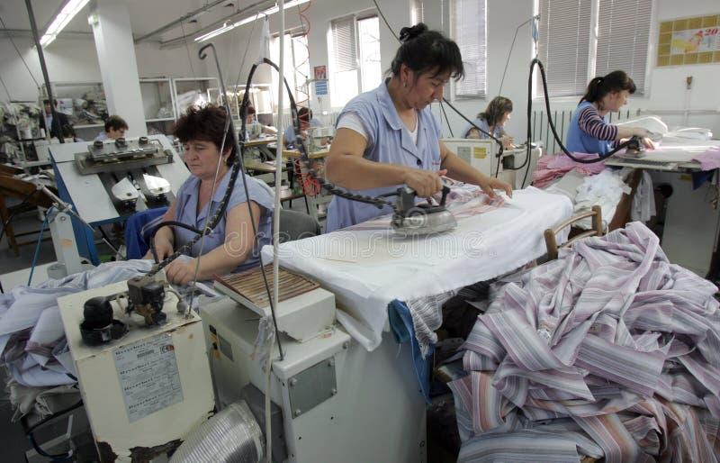 保加利亚剪裁衣物工厂 免版税库存图片