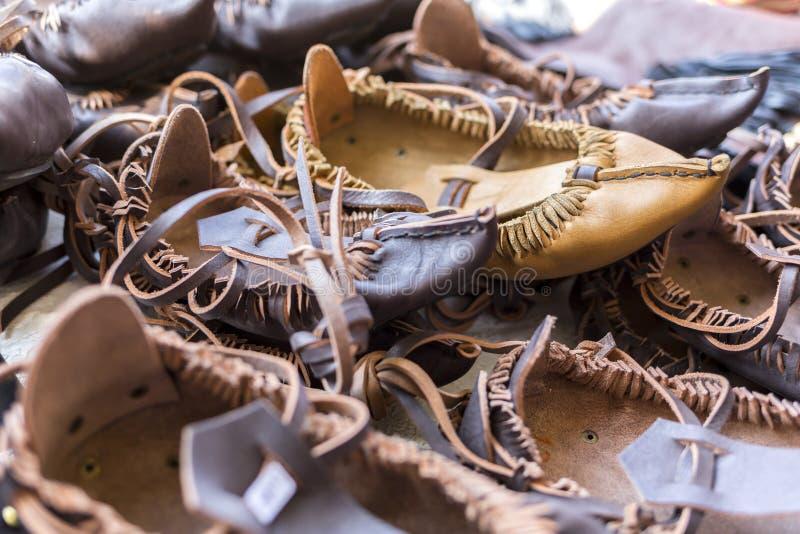 保加利亚皮革民间传说鞋子 免版税库存照片