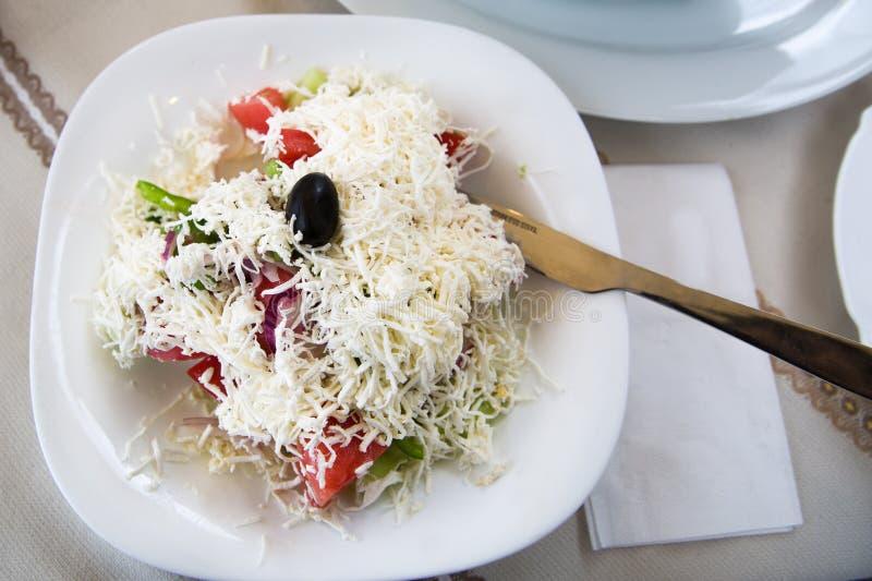 保加利亚语、塞尔维亚人和马其顿传统烹调Shopsky sa 库存照片